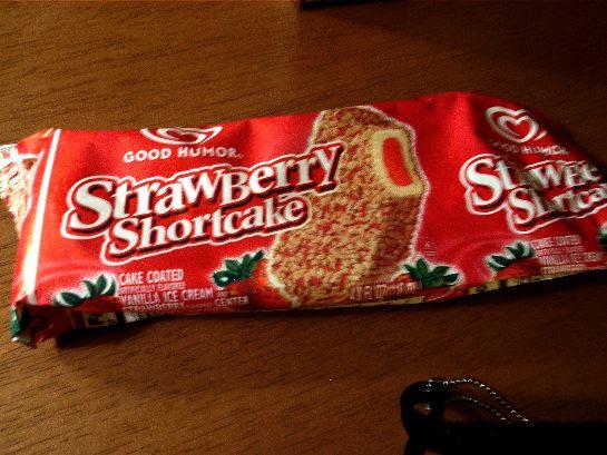 ストロベリーショートケーキアイスクリーム